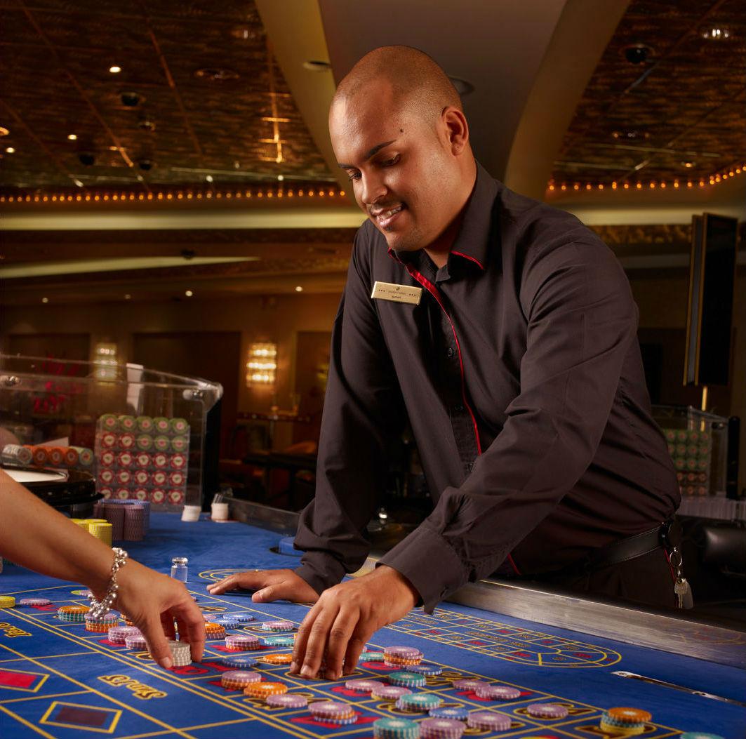 казино коламбус крупье